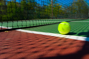 Stages de tennis marsinval for Taille d un terrain de tennis